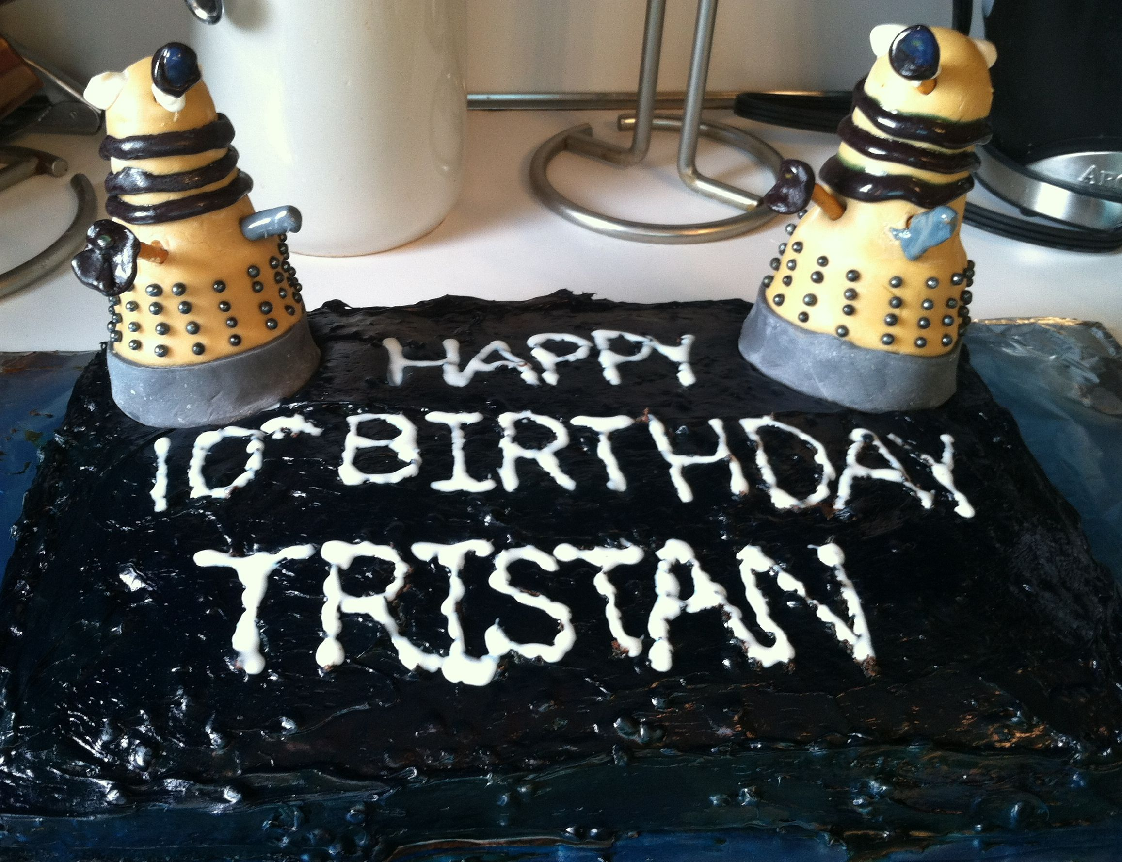 How To Make A Dalek Cake Topper